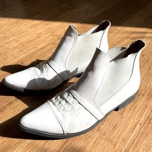 White leather booties 🤍